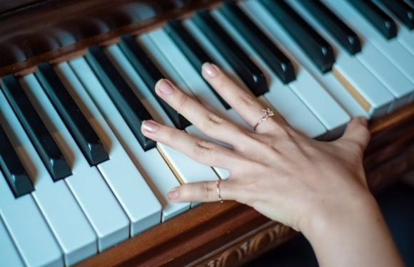 Fast Piano Lessons for the Beginners
